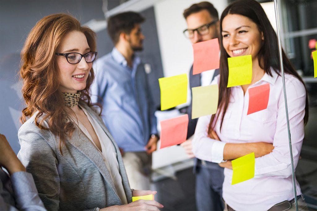 Blog: ¿Por qué deberían contratar HeadHunting? | Mandomedio.com