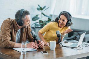 potencia tu situación laboral con el podcast de mandomedio